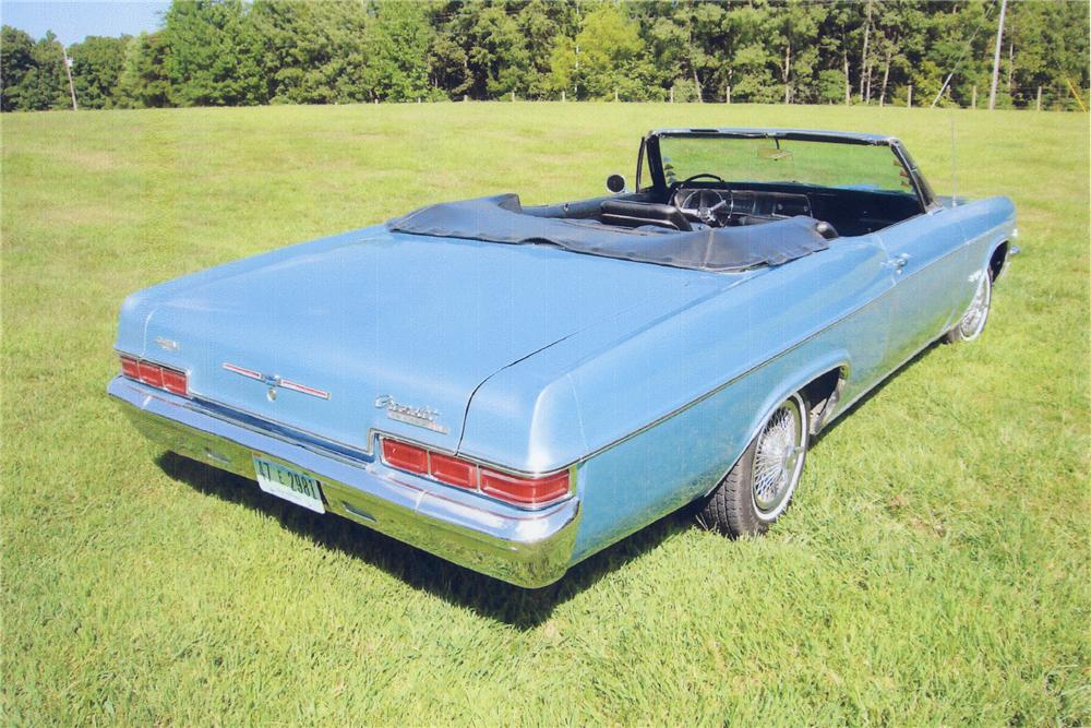 1966 CHEVROLET IMPALA SS CONVERTIBLE - Rear 3/4 - 43736