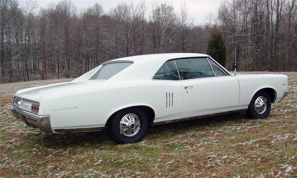 1967 PONTIAC LEMANS COUPE - Rear 3/4 - 43737