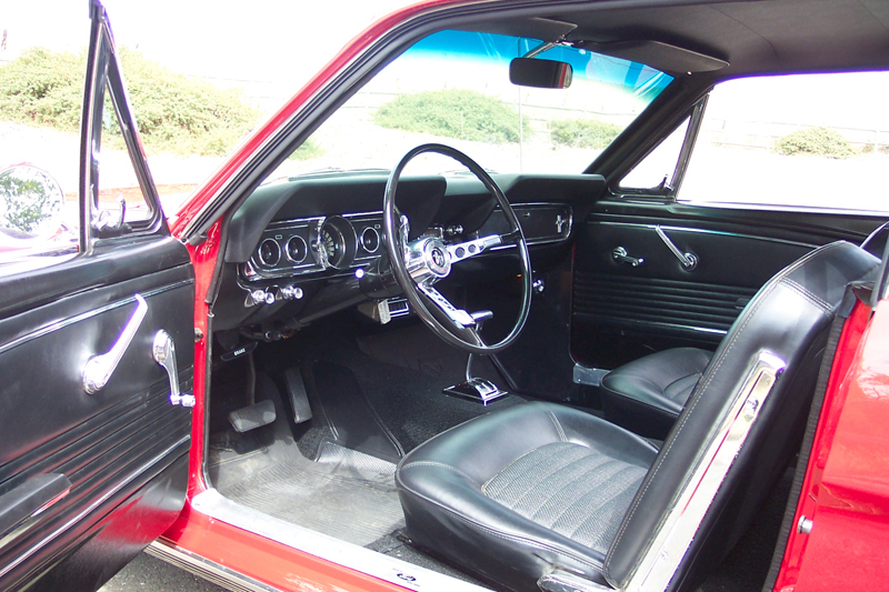 1966 FORD MUSTANG COUPE - Interior - 43749