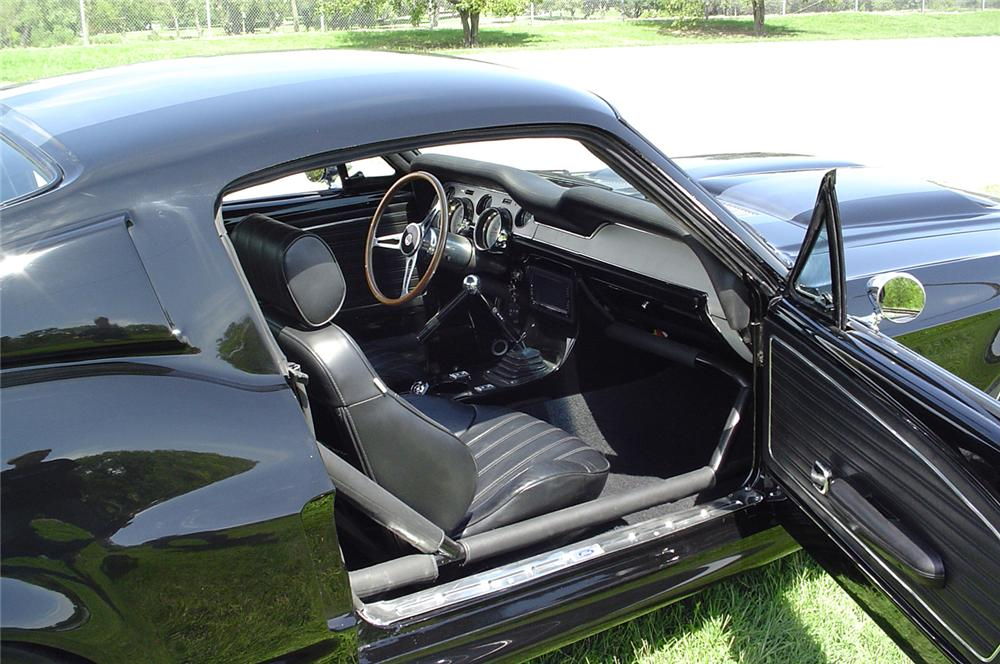 1968 FORD MUSTANG CUSTOM FASTBACK - Interior - 43750