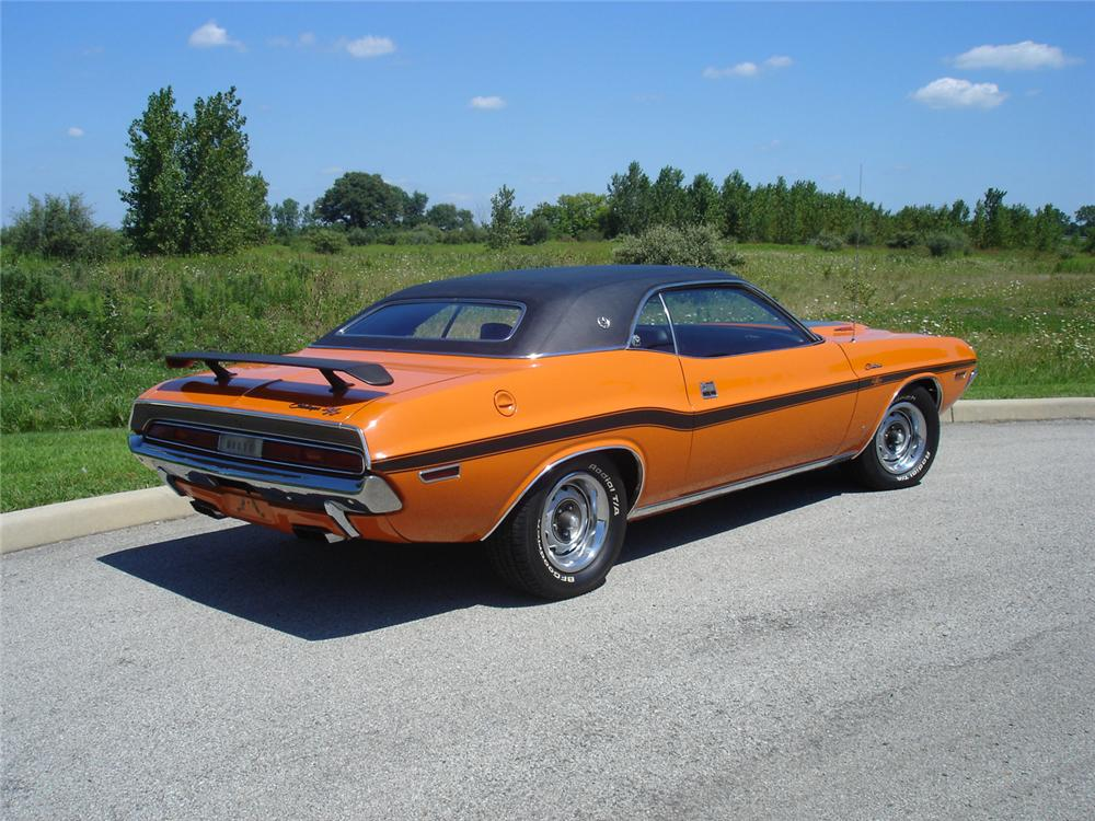 1970 DODGE CHALLENGER R/T 2 DOOR HARDTOP - Rear 3/4 - 43770