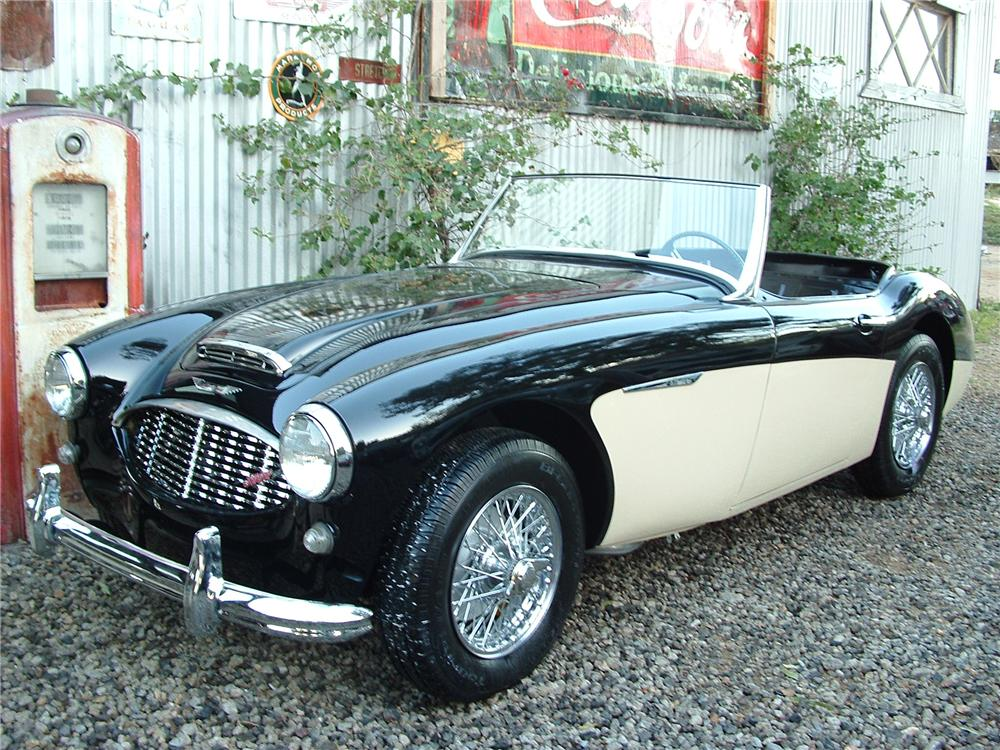1962 AUSTIN-HEALEY 3000 MARK II ROADSTER - Front 3/4 - 43789