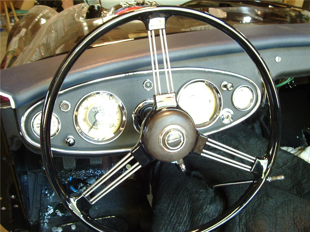 1962 AUSTIN-HEALEY 3000 MARK II ROADSTER - Interior - 43789