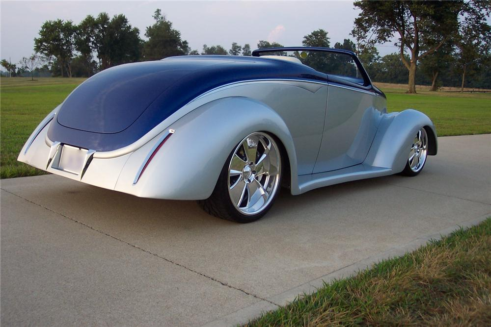 "1937 FORD CUSTOM CONVERTIBLE ""EDGE"" - Rear 3/4 - 43799"