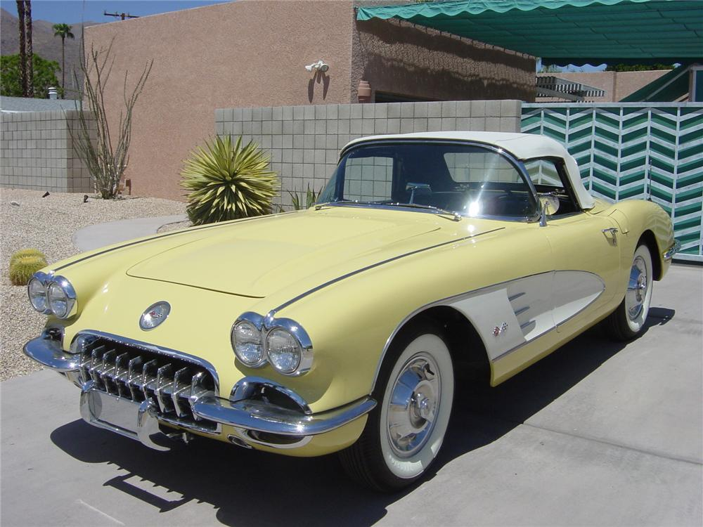 1958 CHEVROLET CORVETTE CONVERTIBLE - Front 3/4 - 43806