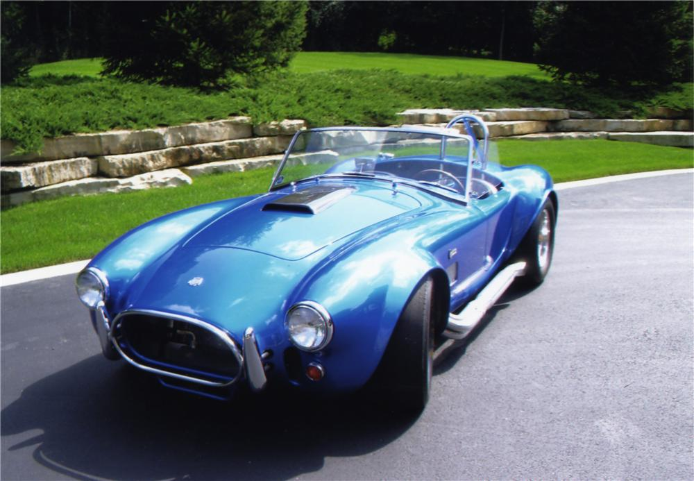 1965 SHELBY COBRA 4000 ROADSTER CONTINUATION SERIES - Front 3/4 - 43807