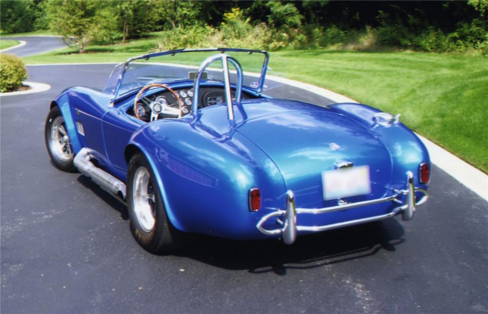 1965 SHELBY COBRA 4000 ROADSTER CONTINUATION SERIES - Rear 3/4 - 43807
