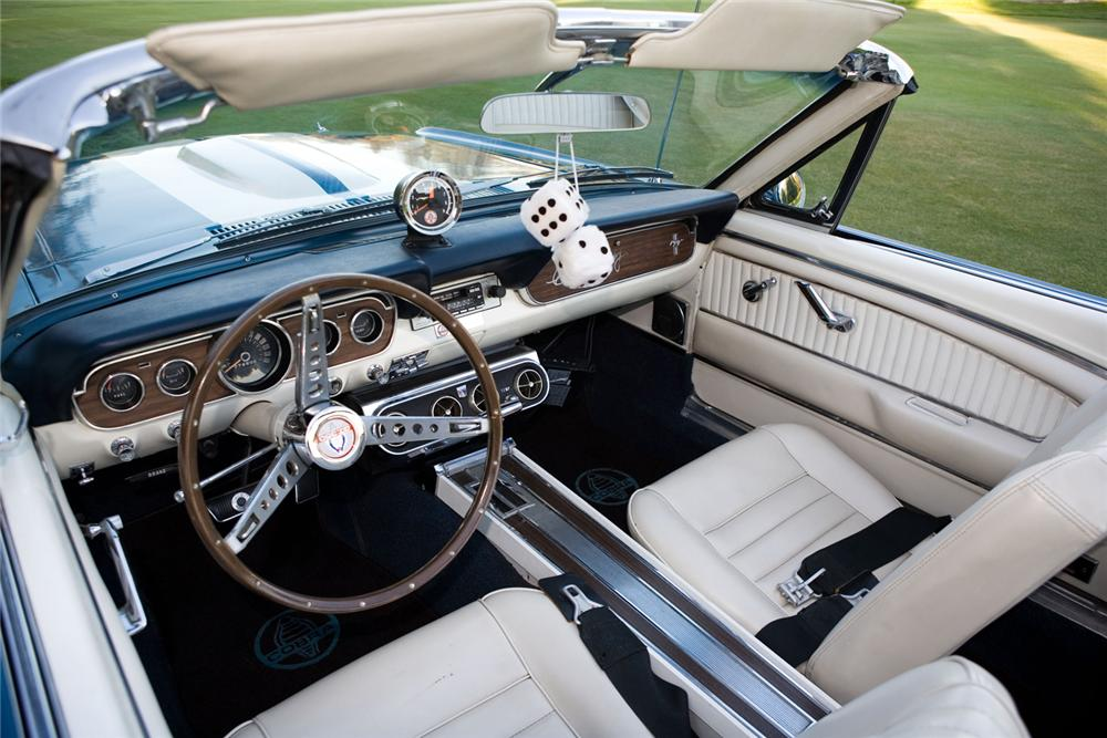 1966 SHELBY GT350 CONVERTIBLE - Interior - 43814