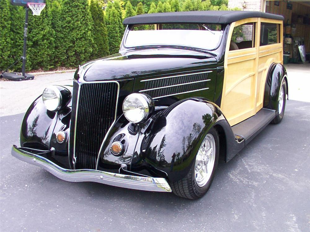1936 FORD WOODY WAGON - Front 3/4 - 43819