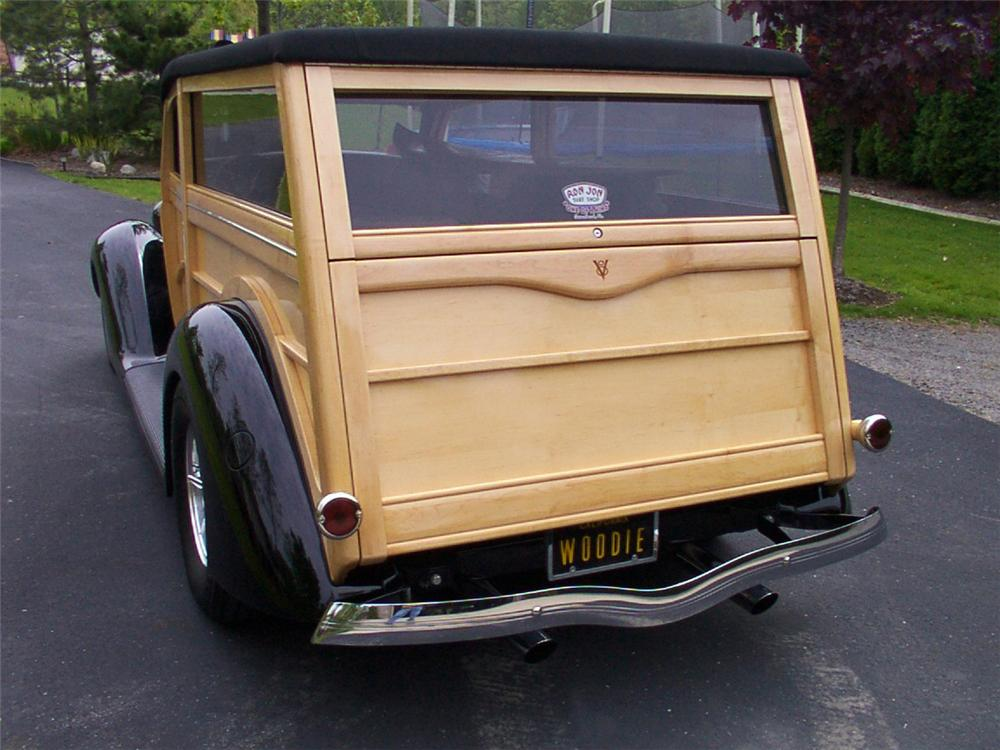 1936 FORD WOODY WAGON - Rear 3/4 - 43819