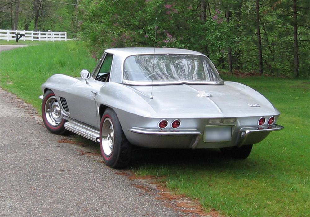 1967 CHEVROLET CORVETTE 427/400 CONVERTIBLE - Rear 3/4 - 43826