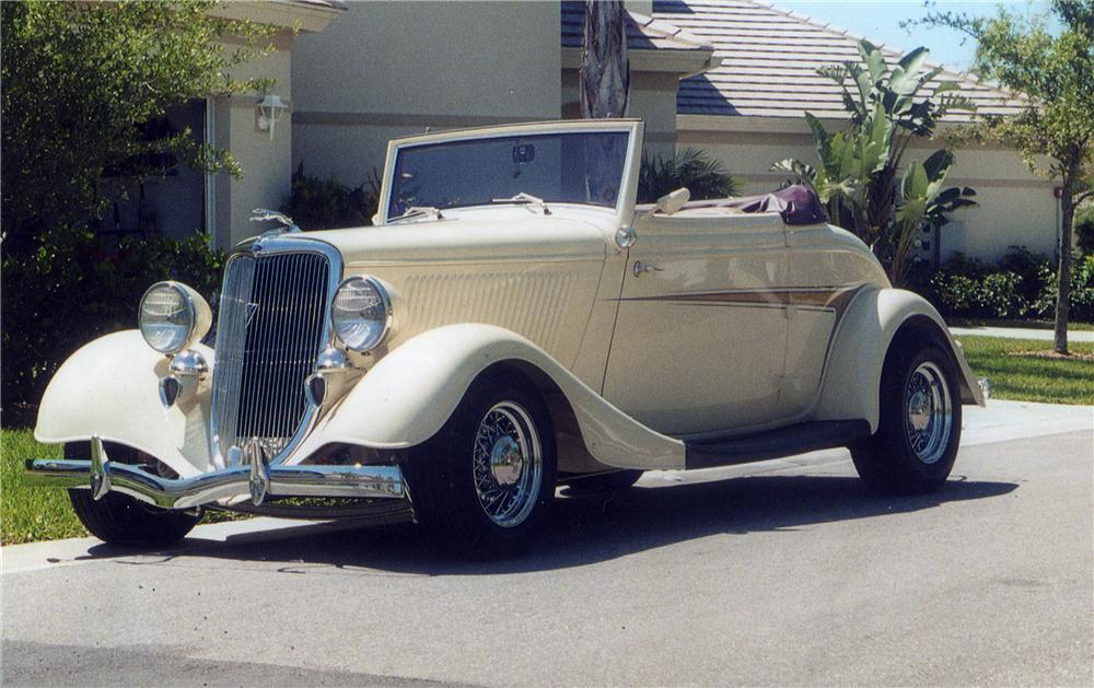 1934 FORD CUSTOM CABRIOLET - Front 3/4 - 43831