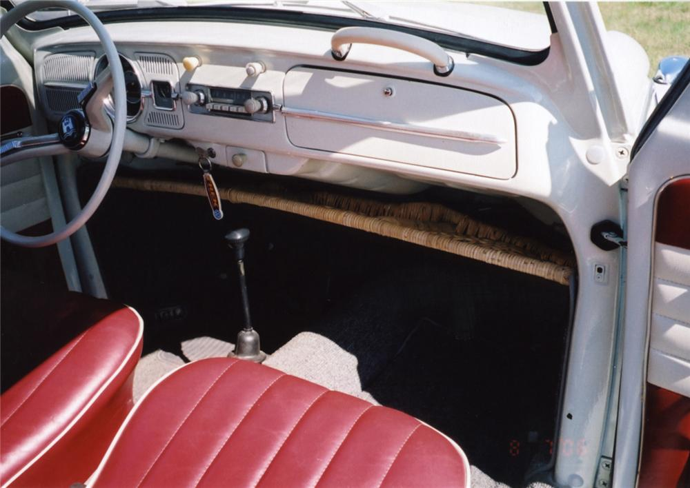 1961 VOLKSWAGEN BEETLE COUPE - Interior - 43855