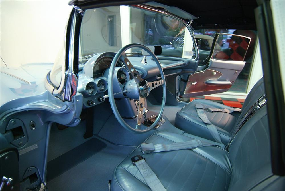 1959 CHEVROLET CORVETTE CONVERTIBLE - Interior - 43874