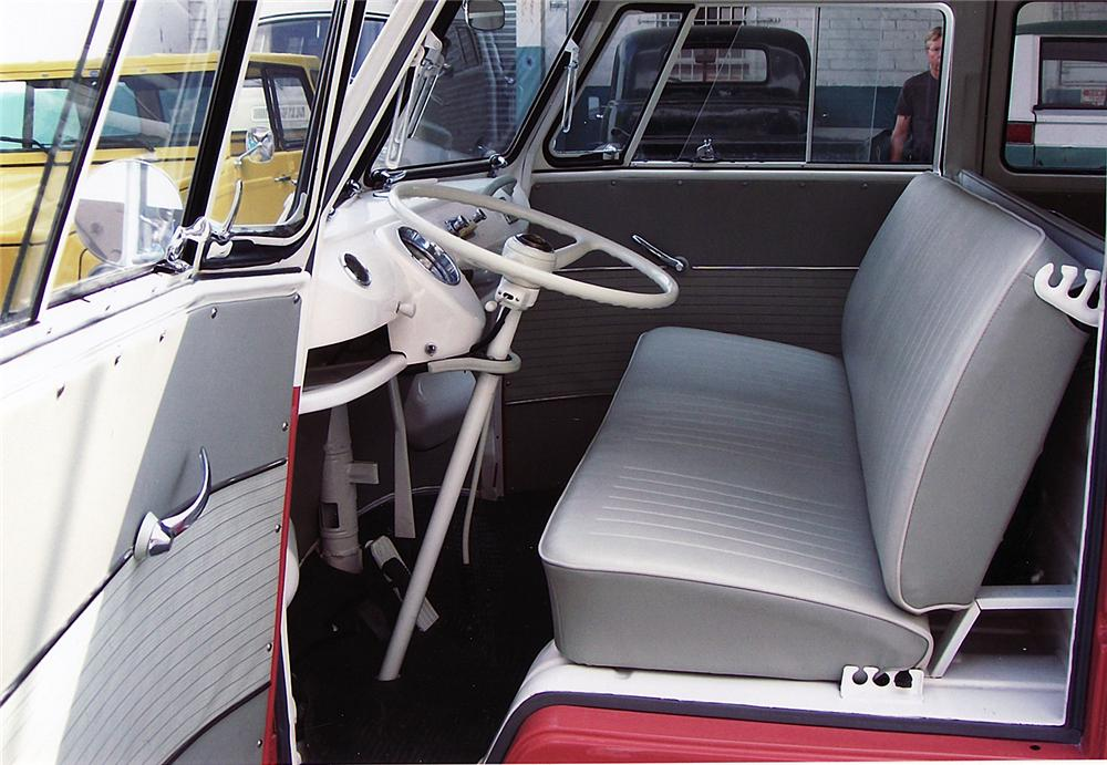 1962 VOLKSWAGEN 23 WINDOW BUS - Interior - 43879