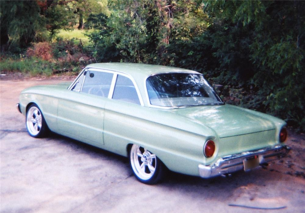 1961 FORD FALCON CUSTOM COUPE - Rear 3/4 - 43944