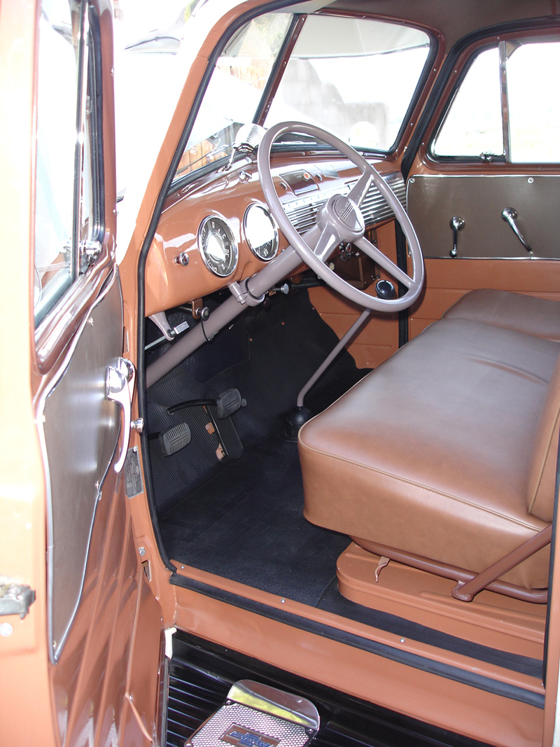 1951 CHEVROLET SUBURBAN CARRYALL PANEL TRUCK - Interior - 43979