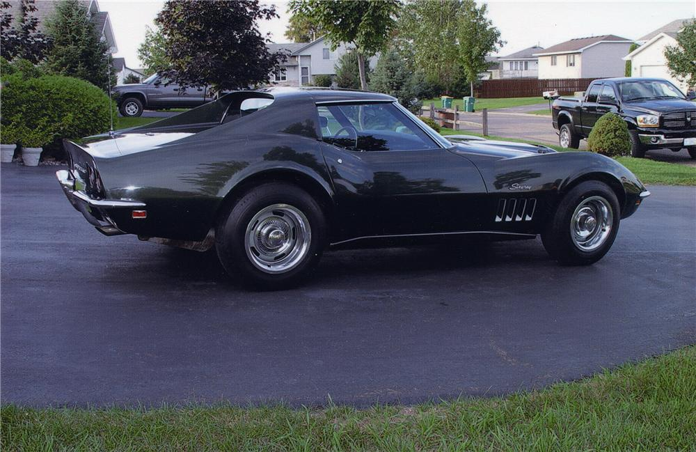 1969 CHEVROLET CORVETTE 427/400 COUPE - Front 3/4 - 44039