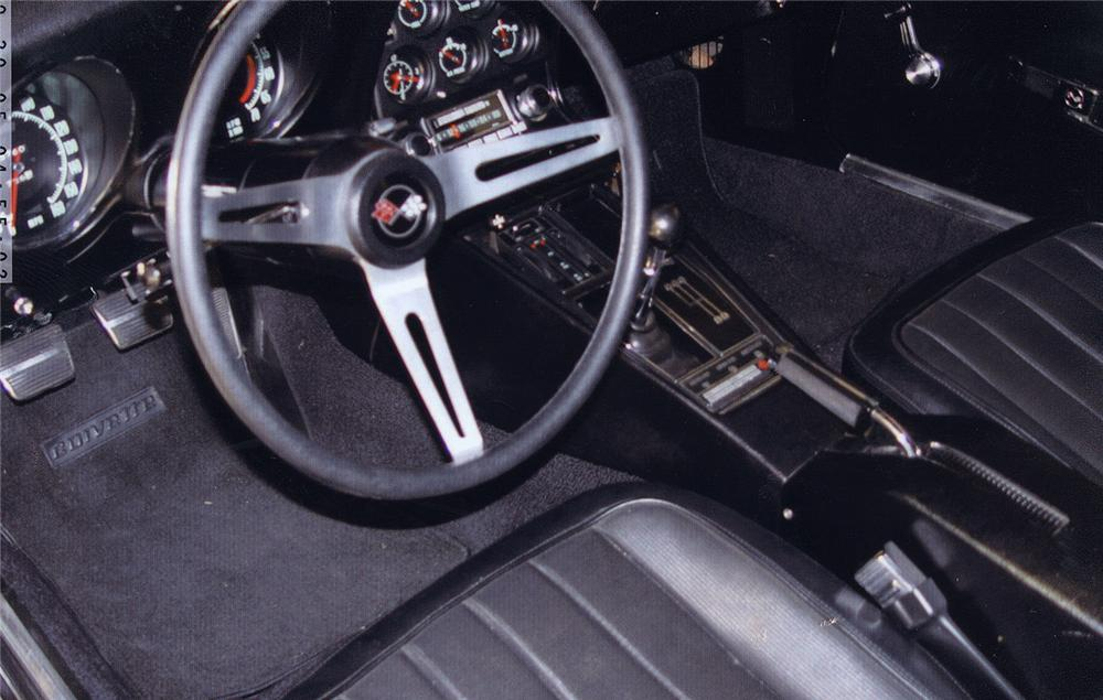 1969 CHEVROLET CORVETTE 427/400 COUPE - Interior - 44039