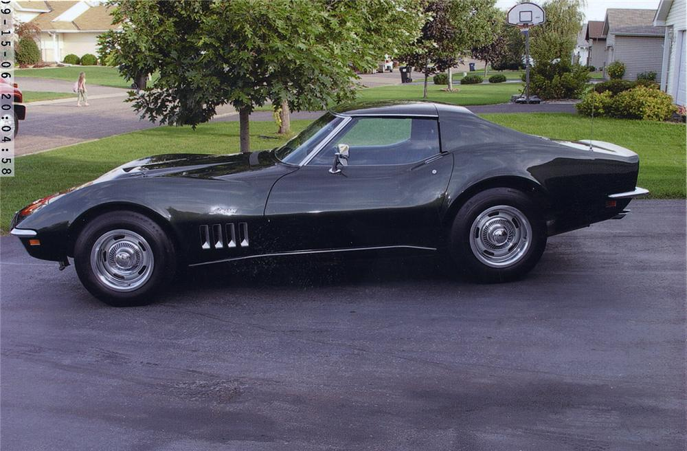 1969 CHEVROLET CORVETTE 427/400 COUPE - Side Profile - 44039