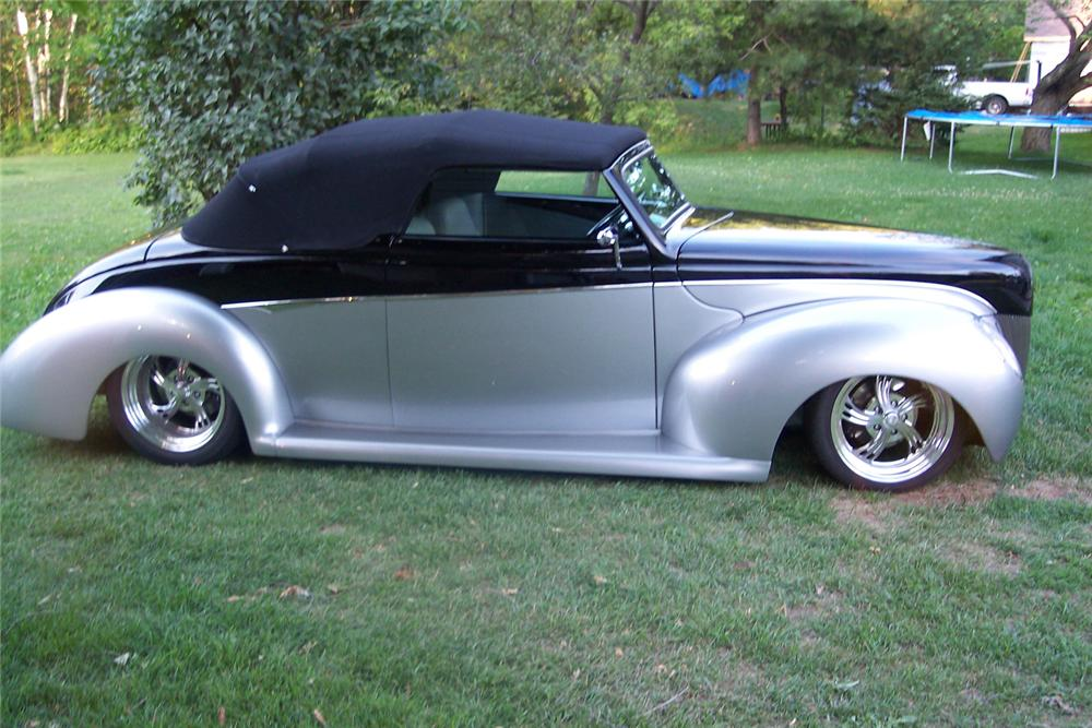 1940 FORD DELUXE CUSTOM CONVERTIBLE - Side Profile - 44040