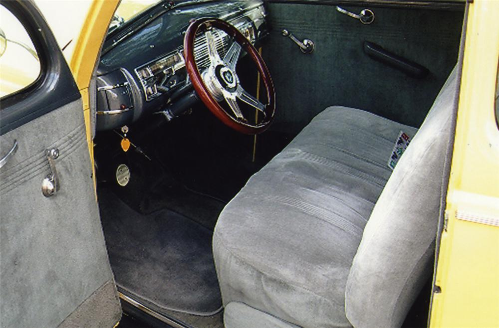 1940 FORD CUSTOM 2 DOOR SEDAN - Interior - 44047