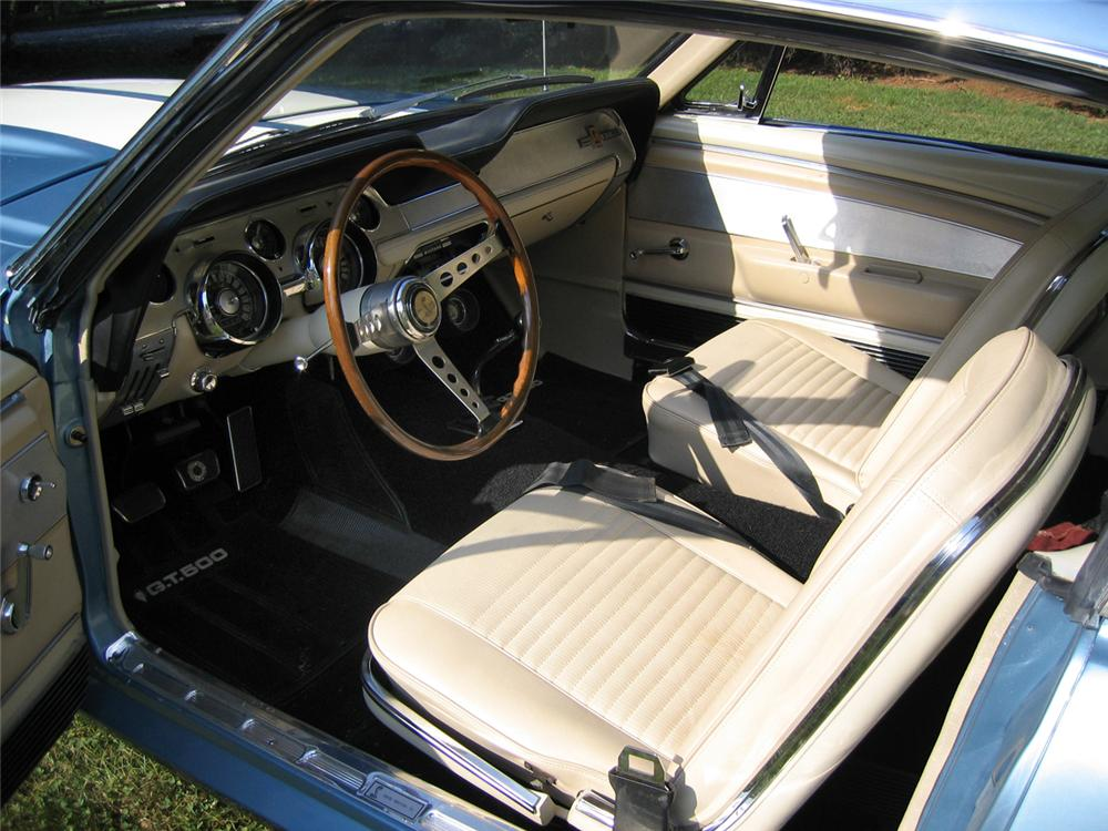 1967 SHELBY GT500 FASTBACK - Interior - 44077
