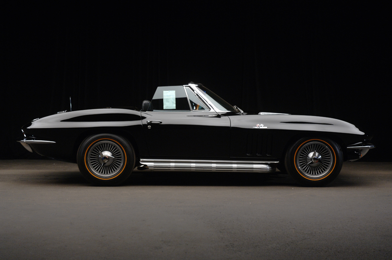 1966 CHEVROLET CORVETTE 427/425 CONVERTIBLE - Side Profile - 44096
