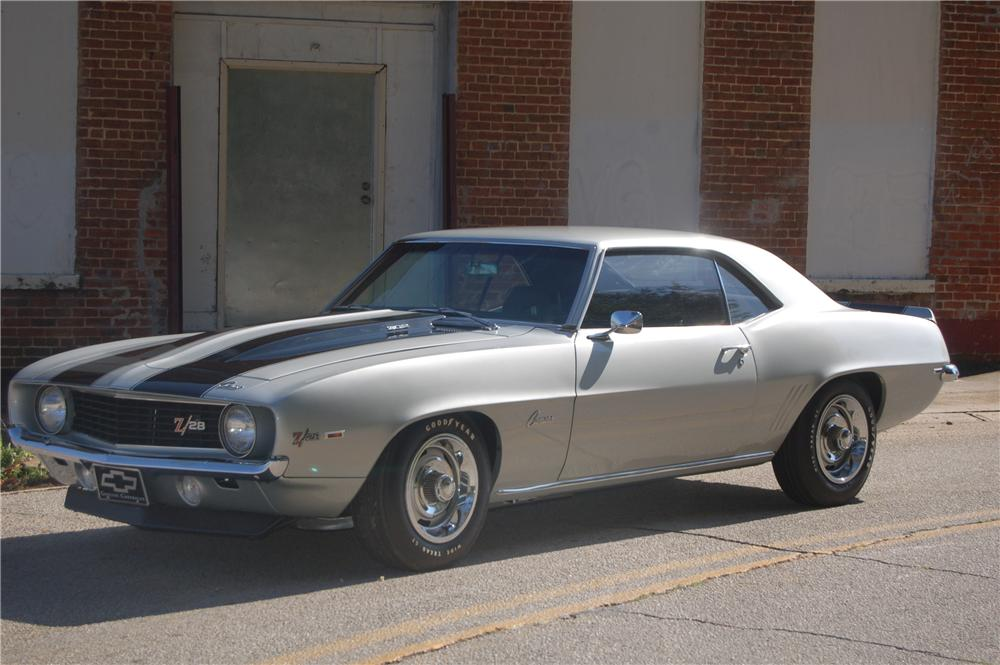 1969 CHEVROLET CAMARO Z/28 COUPE - Front 3/4 - 44146