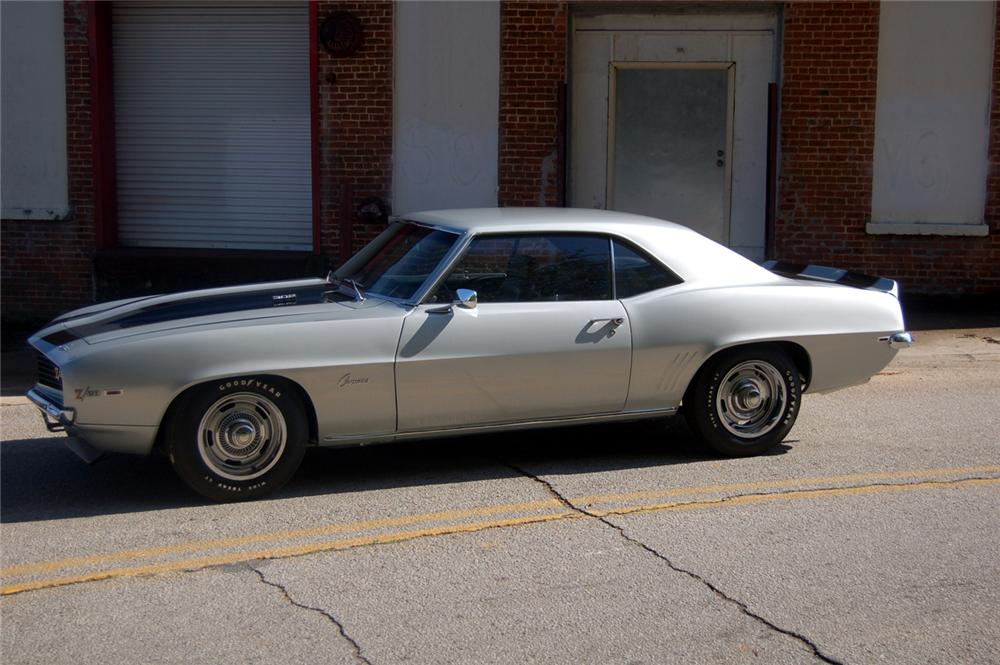 1969 CHEVROLET CAMARO Z/28 COUPE - Side Profile - 44146