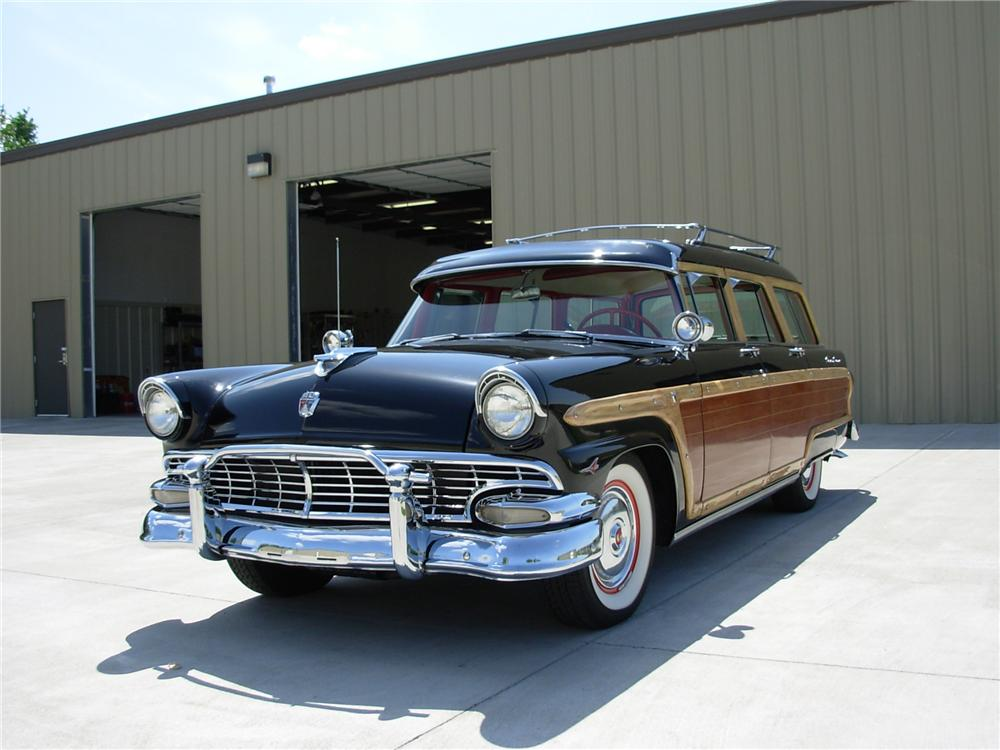 1956 FORD COUNTRY SQUIRE WAGON - Front 3/4 - 44163