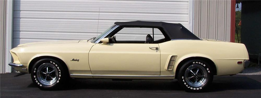 1969 FORD MUSTANG CONVERTIBLE RUMBLE SEAT - Side Profile - 44179