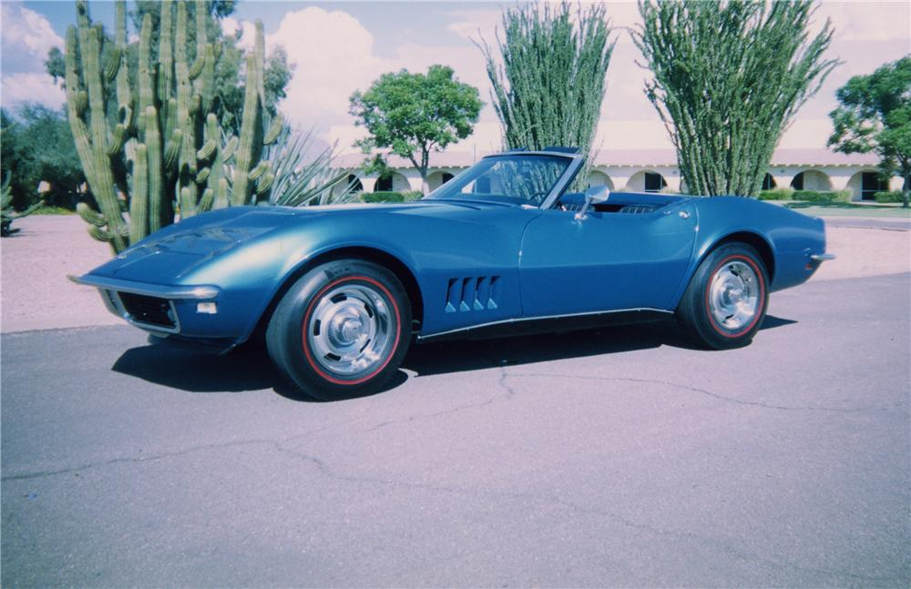 1968 CHEVROLET CORVETTE 427/400 CONVERTIBLE - Front 3/4 - 44193