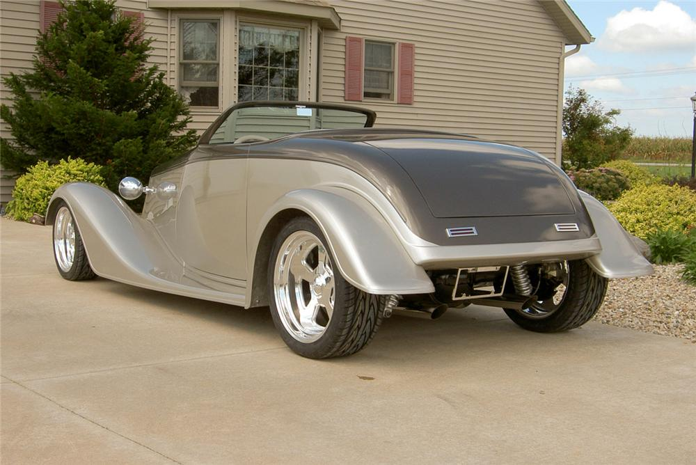 1933 FORD CUSTOM ROADSTER - Rear 3/4 - 44232