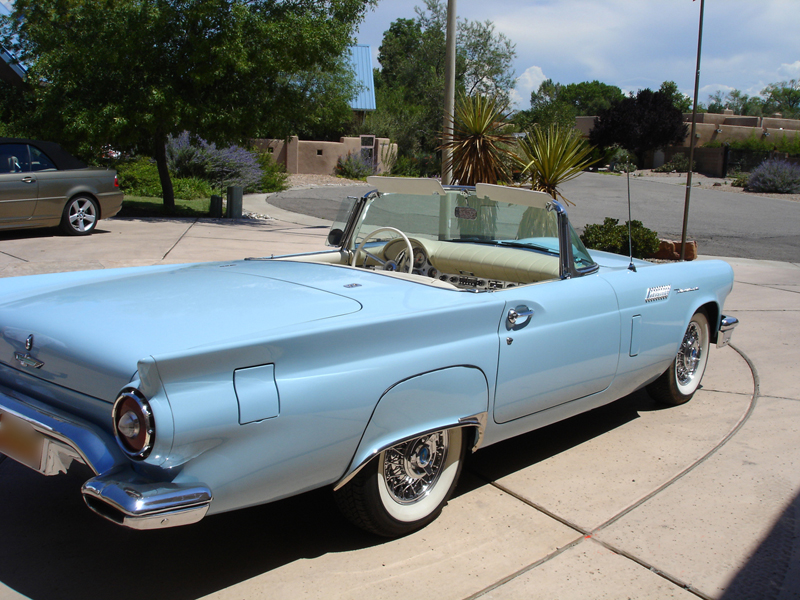 1957 FORD THUNDERBIRD CONVERTIBLE - Rear 3/4 - 44234