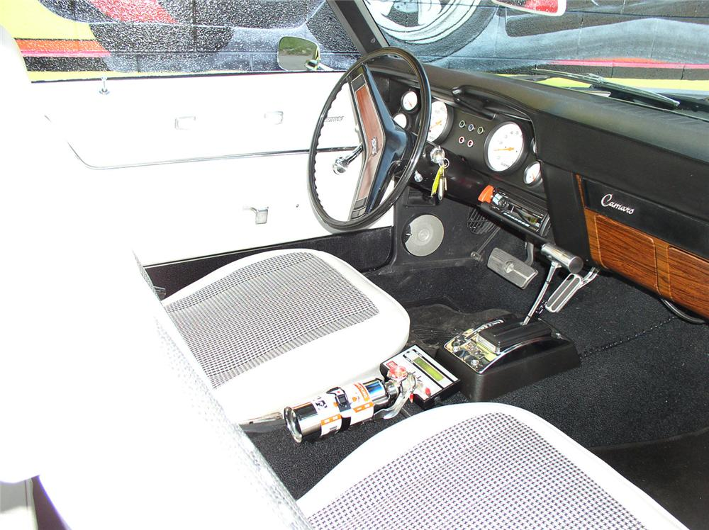 1969 CHEVROLET CAMARO RS/SS CUSTOM COUPE - Interior - 44243