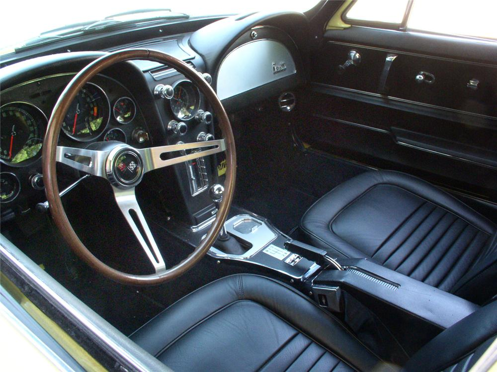1967 CHEVROLET CORVETTE 327 COUPE - Interior - 44244