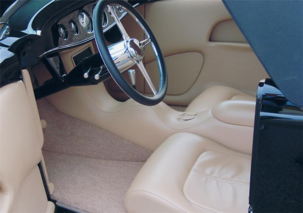 1932 MUROC CUSTOM ROADSTER - Interior - 44305