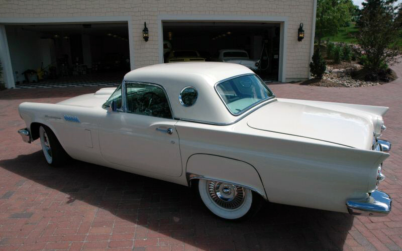 1957 FORD THUNDERBIRD CONVERTIBLE - Rear 3/4 - 44309