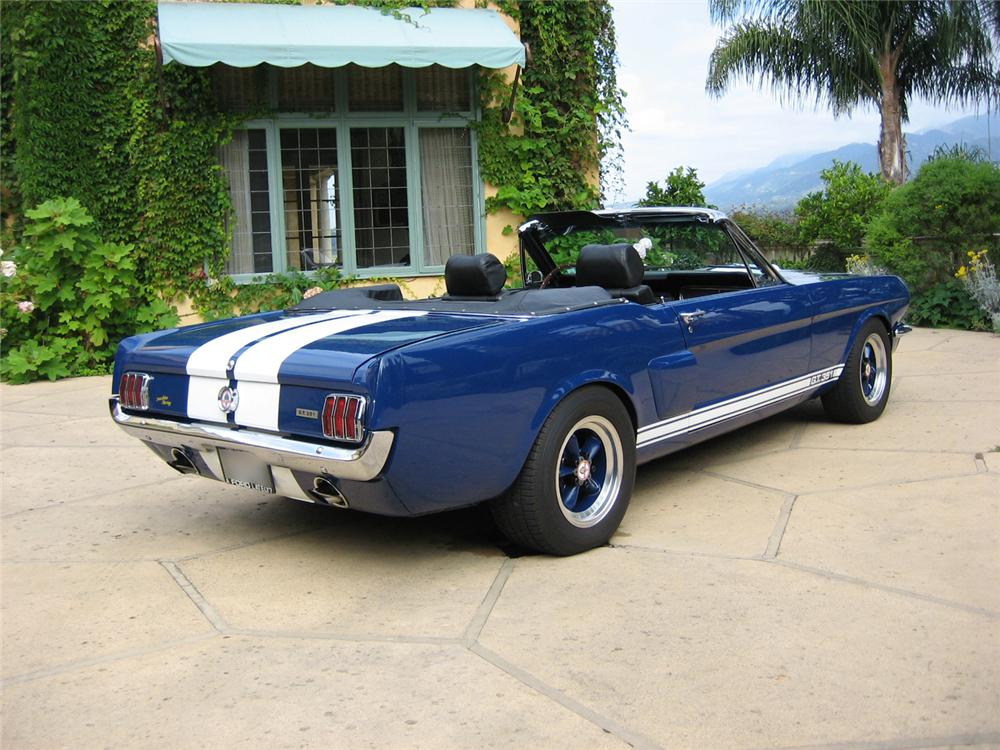 1966 FORD MUSTANG CUSTOM CONVERTIBLE - Rear 3/4 - 44312
