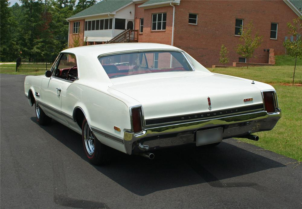 1966 OLDSMOBILE 442 HOLIDAY COUPE - Rear 3/4 - 44317