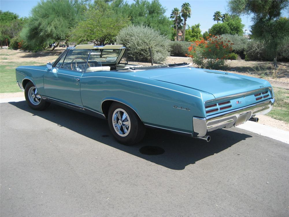 1967 PONTIAC GTO CONVERTIBLE - Rear 3/4 - 44348