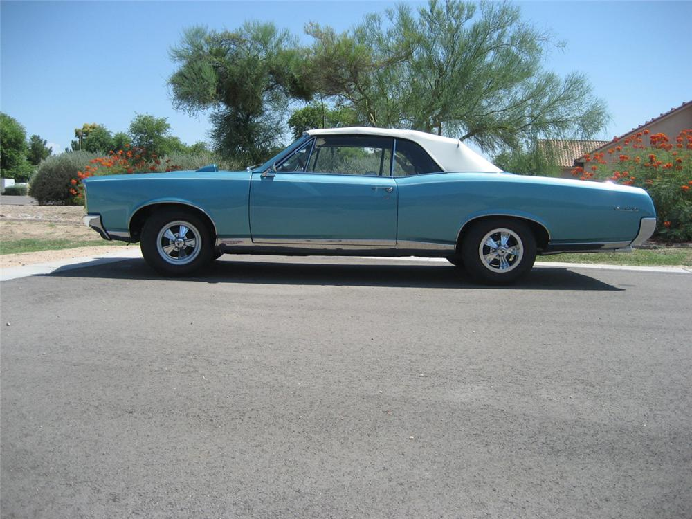 1967 PONTIAC GTO CONVERTIBLE - Side Profile - 44348