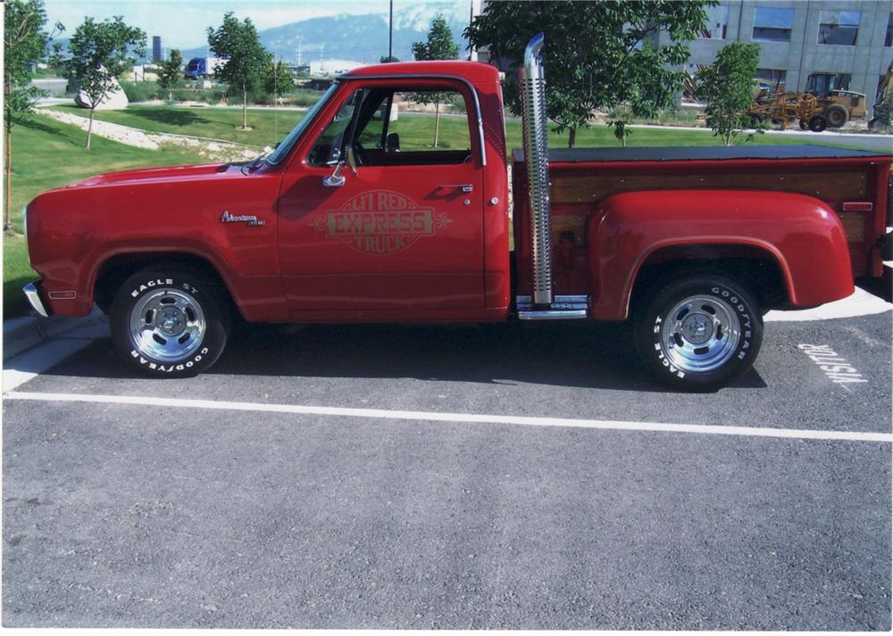1978 DODGE D15 LIL RED EXPRESS PICKUP - Front 3/4 - 44353