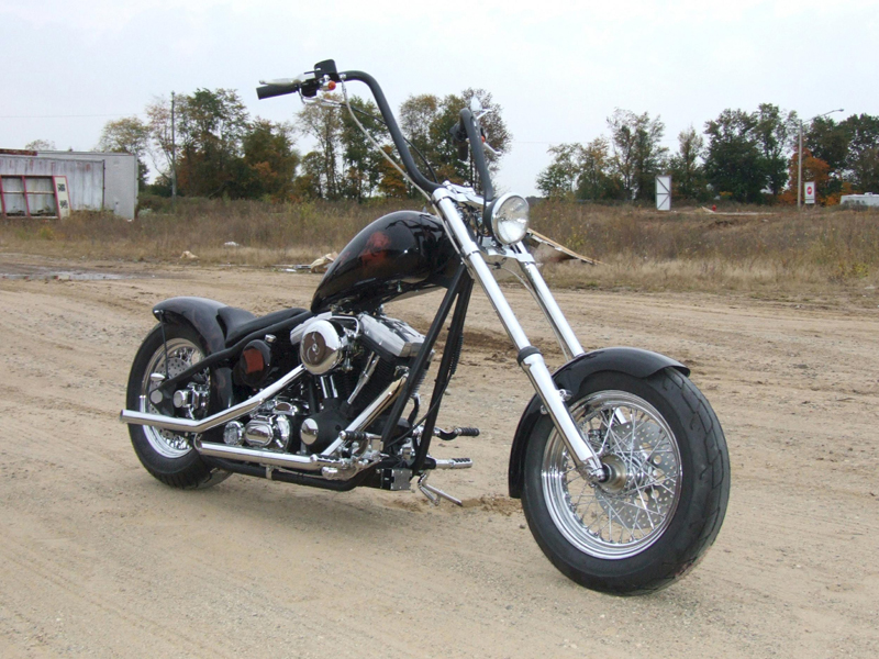 2006 LEGENDS CUSTOM MOTORCYCLE - Front 3/4 - 44359