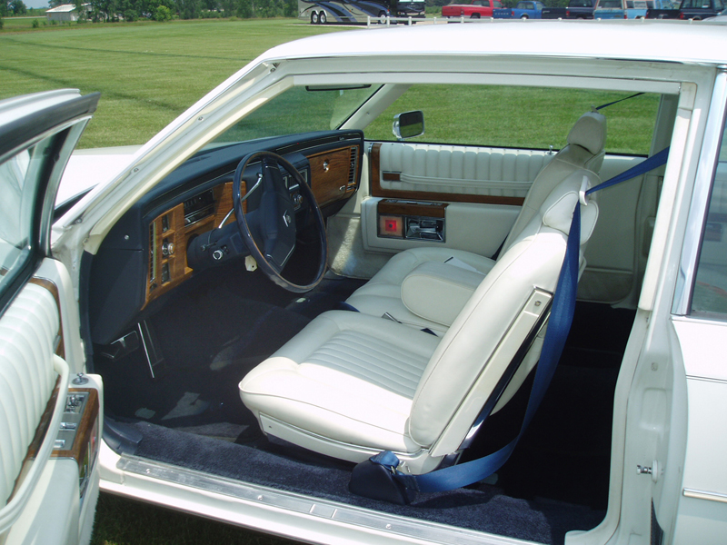 1980 CADILLAC DE VILLE 2 DOOR COUPE - Interior - 44374