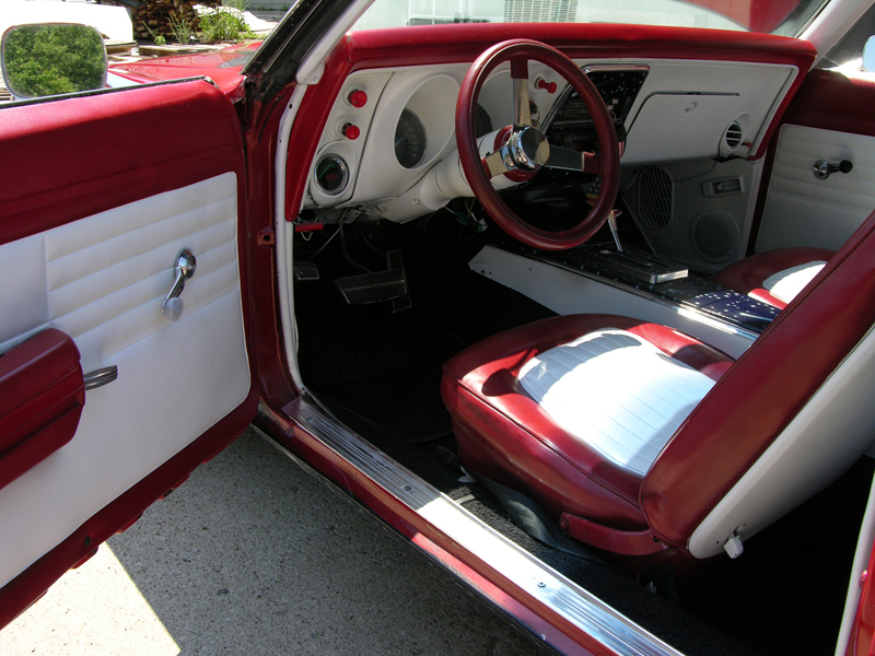 1968 PONTIAC FIREBIRD CUSTOM COUPE - Interior - 44378