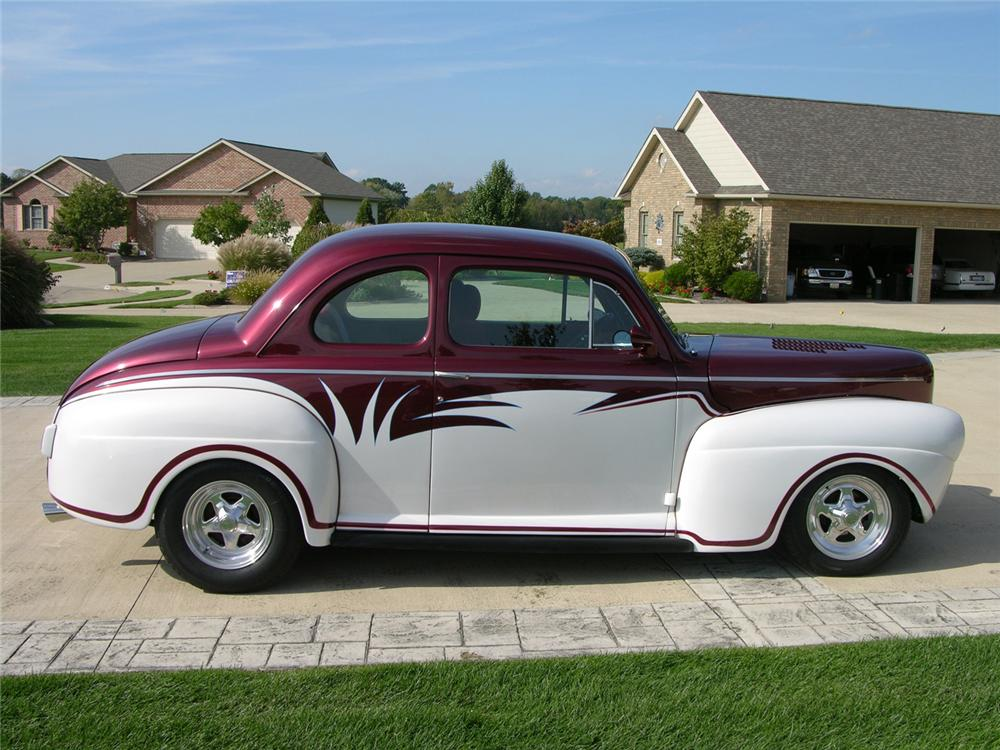 1941 FORD CUSTOM COUPE - Side Profile - 44379