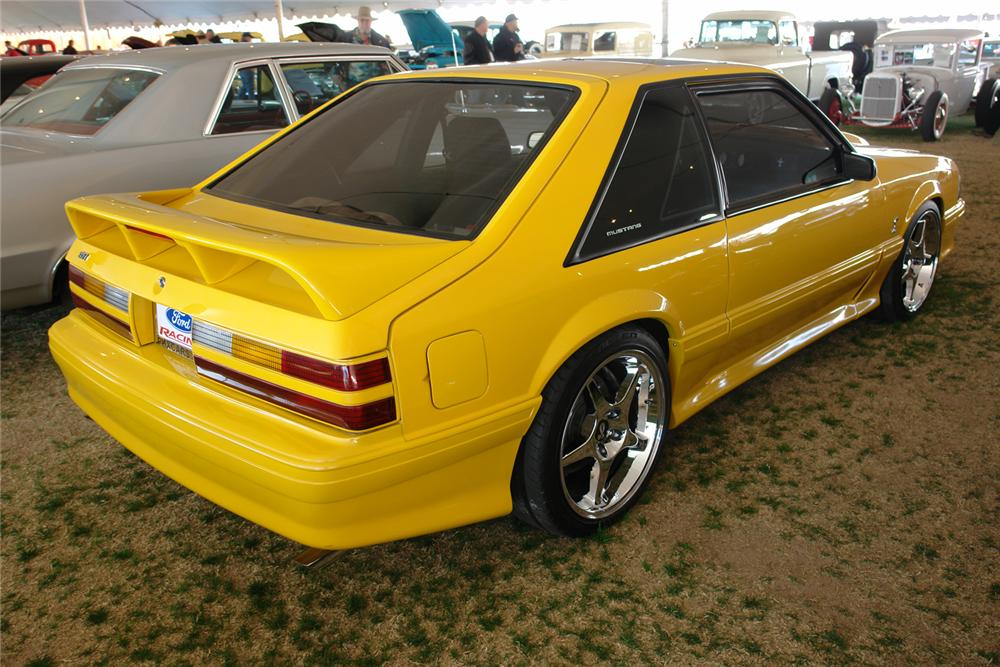 1990 FORD MUSTANG CUSTOM COUPE - Rear 3/4 - 44387