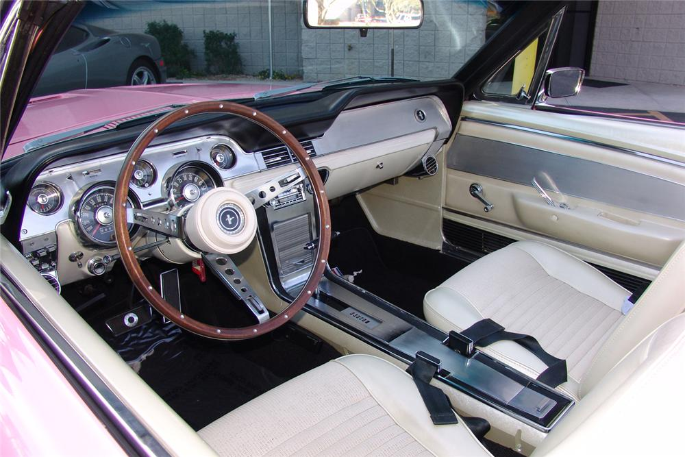 1967 FORD MUSTANG CONVERTIBLE - Interior - 44399